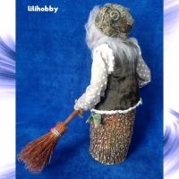 Кукла Баба Яга в ступе с метлой Копилка