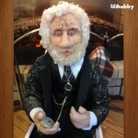Кукла Дедушка в кресле