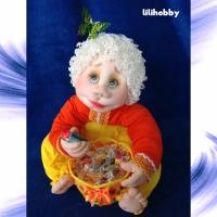 Кукла конфетница