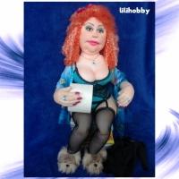 Кукла Рыжая с туалетной бумагой